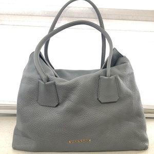 Burberry grainy / barnyard bag